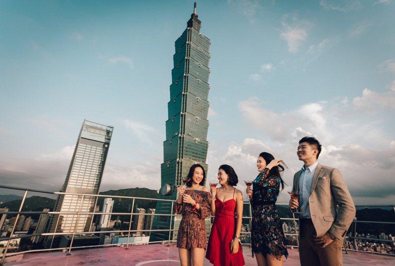 台北君悅31周年慶,首度公開頂樓停機坪參觀體驗。圖/台北君悅提供