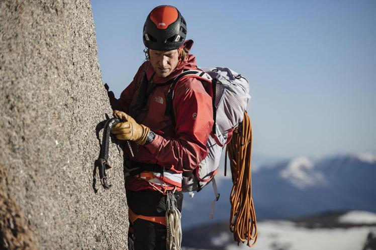 身兼攝影師、探險家的Cory Richards曾在2010-2011年間,成功攀...