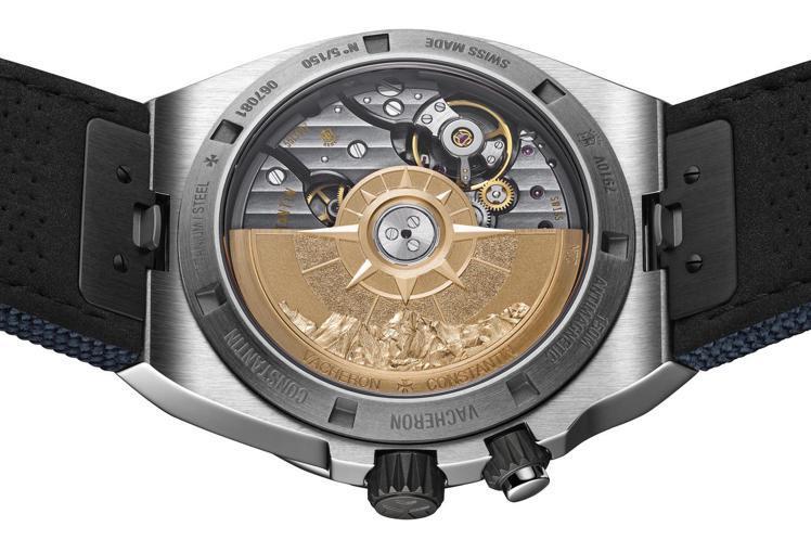 22K粉紅金的自動盤,同時有著象徵海洋的羅盤以及山岳的珠穆朗瑪峰兩種元素,並以立...