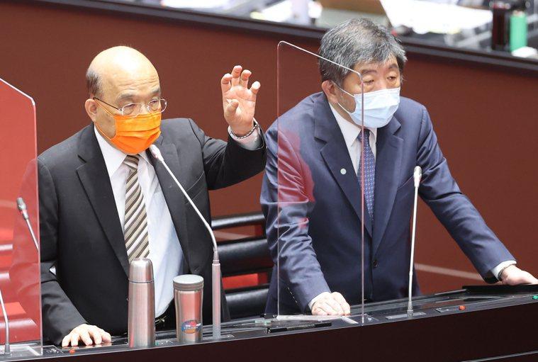 立法院今排定行政院院長蘇貞昌(左)進行新冠疫苗接種、整備、受害救濟等相關事宜專案...
