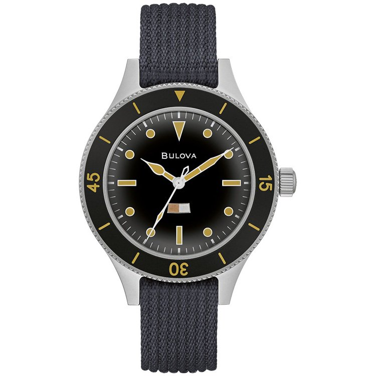 BULOVA的Archive系列98A266腕表,不鏽鋼表殼,約28,800元。...