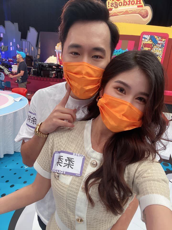 余祥銓(左)和女友柔柔感情穩定,彼此都已經認定對方。圖/摘自臉書