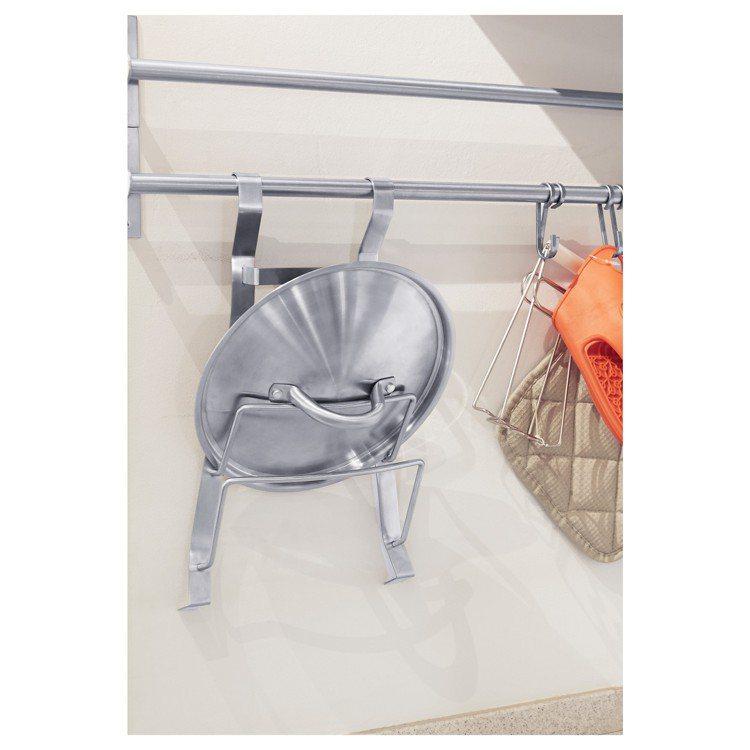廚房必備鍋蓋架,也可以放盤子。圖/IKEA提供