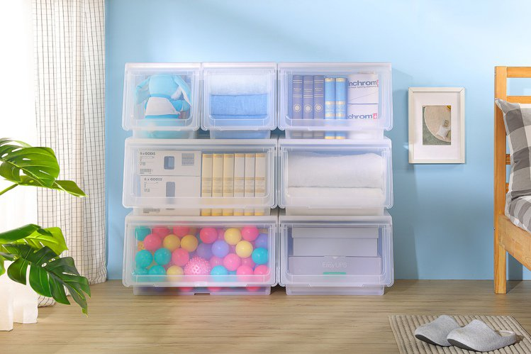 透明的收納盒,是收納的好幫手。圖/特力屋提供