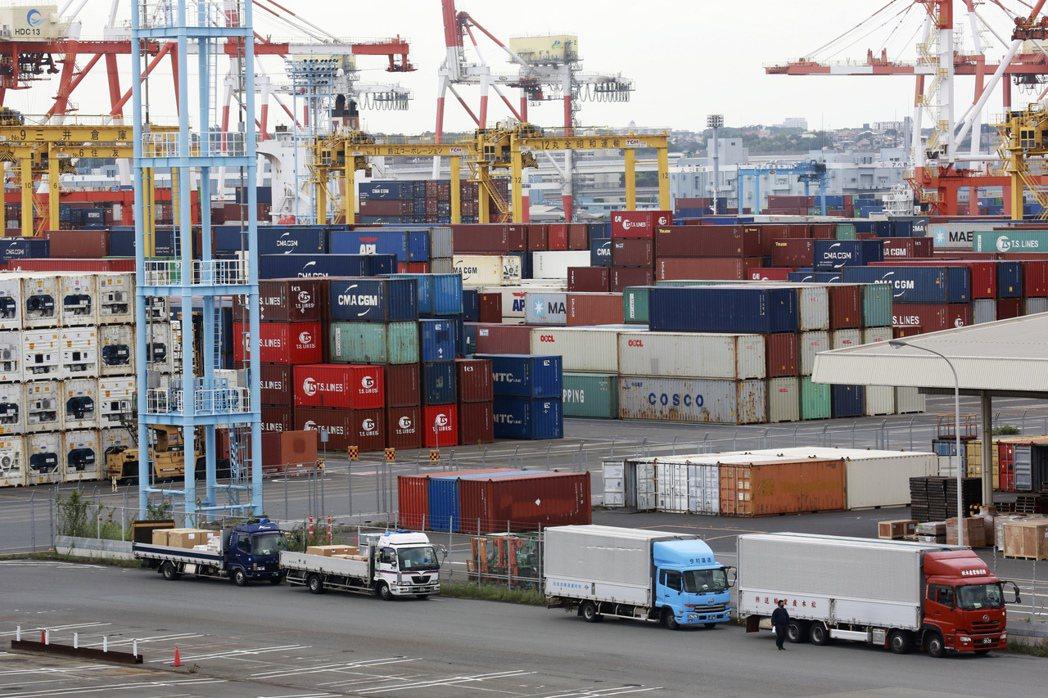 跟據WSJ的統計,受Delta變種病毒衝擊,全球7月貿易額縮減。     美聯社
