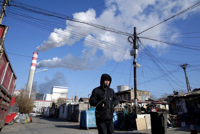 大陸國家主席習近平在聯合國大會演說時承諾,「中國不再新建海外煤電項目」,引發關注。(路透)