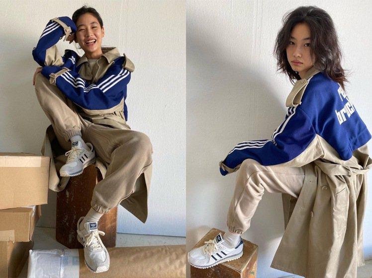 鄭浩妍拍攝adidas鞋款,展現各種台客蹺腳的架式。圖/取自IG