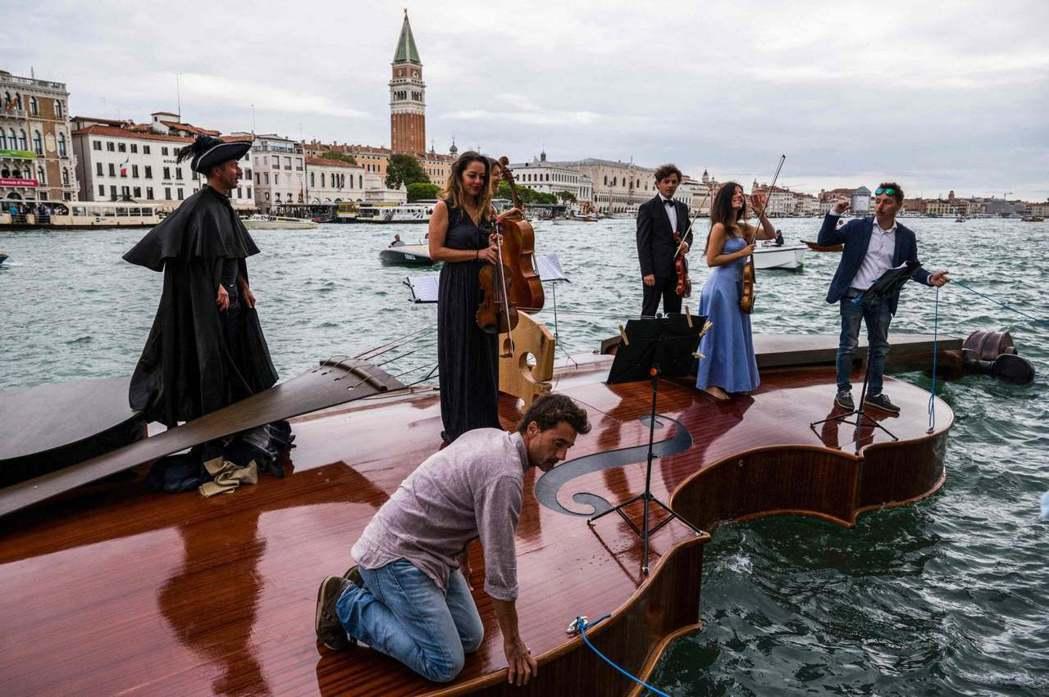 Livio De Marchi希望透過藝術與音樂,帶給大家在疫情後的正面能量。圖...