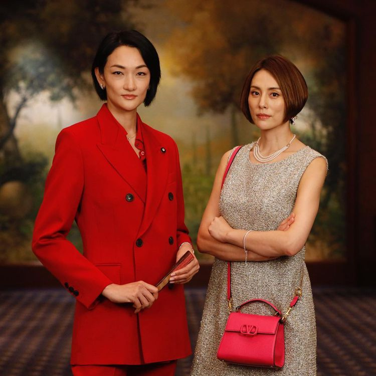 超模富永愛(左)將客串「派遣女醫Doctor X」並與米倉涼子有對手戲。圖/摘自...