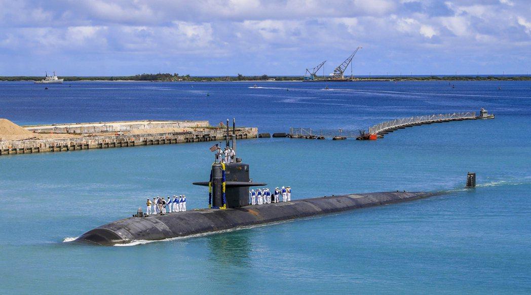 雖然部分軍事意見主張,澳洲或許可以從美國海軍「預先租借」現役核子潛艇來應急。但考...