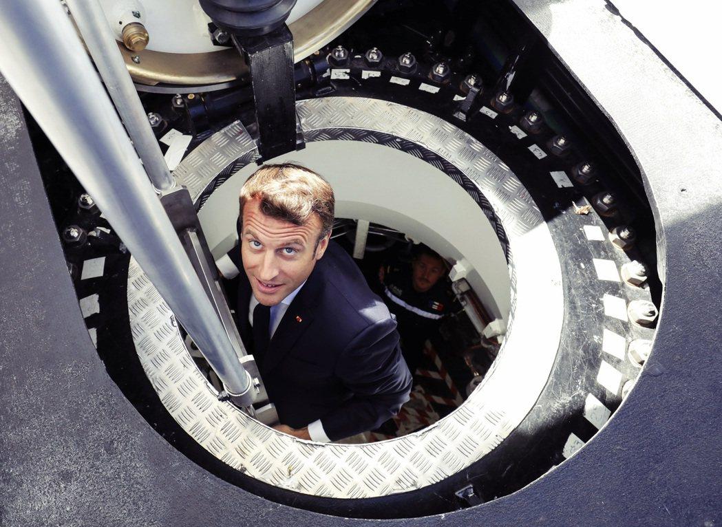 拜登電話過後,惱怒的法國在野黨大多認為:澳洲潛艇棄單事件,或可能只是「馬克宏的自...