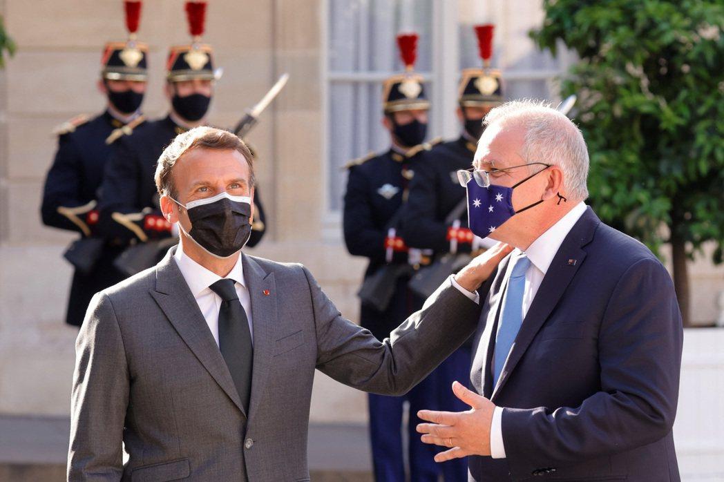 根據法國政府的說法,澳洲從頭到尾都沒有「正面」向法國提出對於潛艇計畫的策略疑慮。...