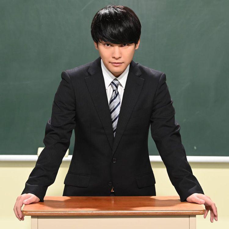 柳樂優彌在《二月的勝者~絕對合格教室~》中飾演明星講師。圖/擷自IG