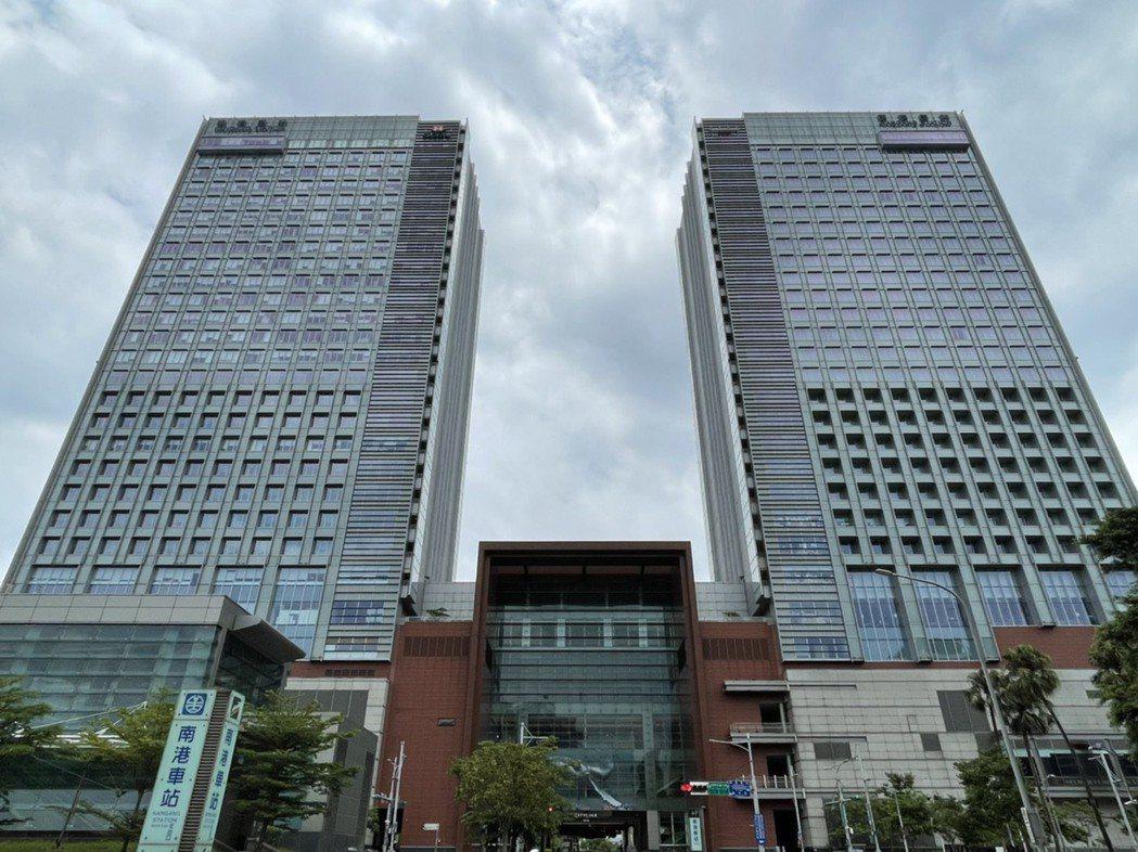 信義房屋表示南港車站大樓不只是四鐵共構,更是複合式商場、旅館。 信義房屋/提供