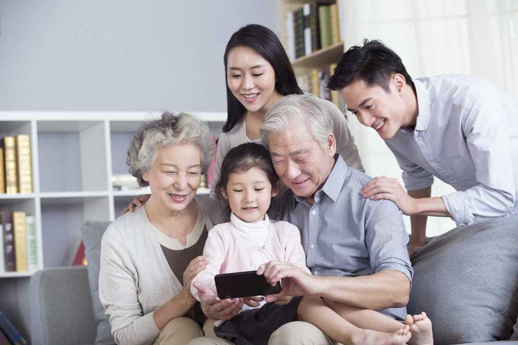 台新人壽推傳富久久美元利變壽險,周全高保障 傳承更安心。 台新人壽/提供
