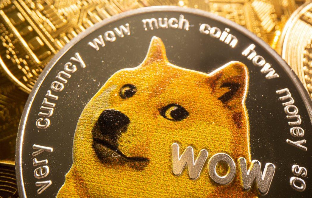 特斯拉執行長馬斯克呼籲,加密貨幣狗狗幣可能須調降交易手續費,才能更全面用在零售購...