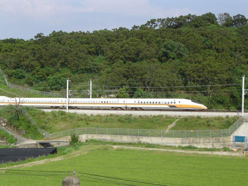 台灣高鐵公司檢視國慶疏運期間旅客訂位狀況,決定再加開12班次列車(南下6班、北上6班),9/25凌晨零時起開放購票。圖/台灣高鐵公司提供