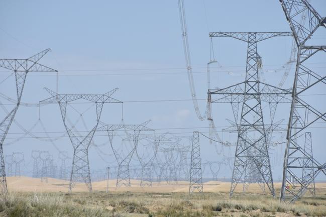 中國大陸江蘇、雲南、浙江等地近期傳出不少高耗能企業因限電被迫停產的消息。新華社