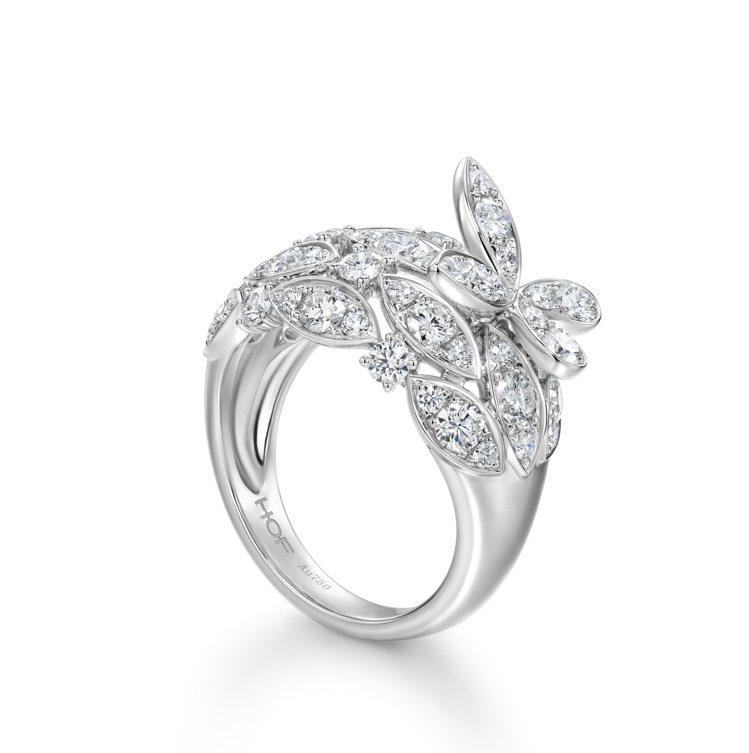 Aerial Regal Butterly白K金鑽石戒指,33萬元。圖/Hear...