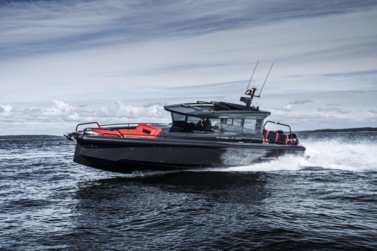 瑞士鐘表品牌沛納海(PANERAI)宣佈與德國遊艇品牌BRABUS合作,並以後者...