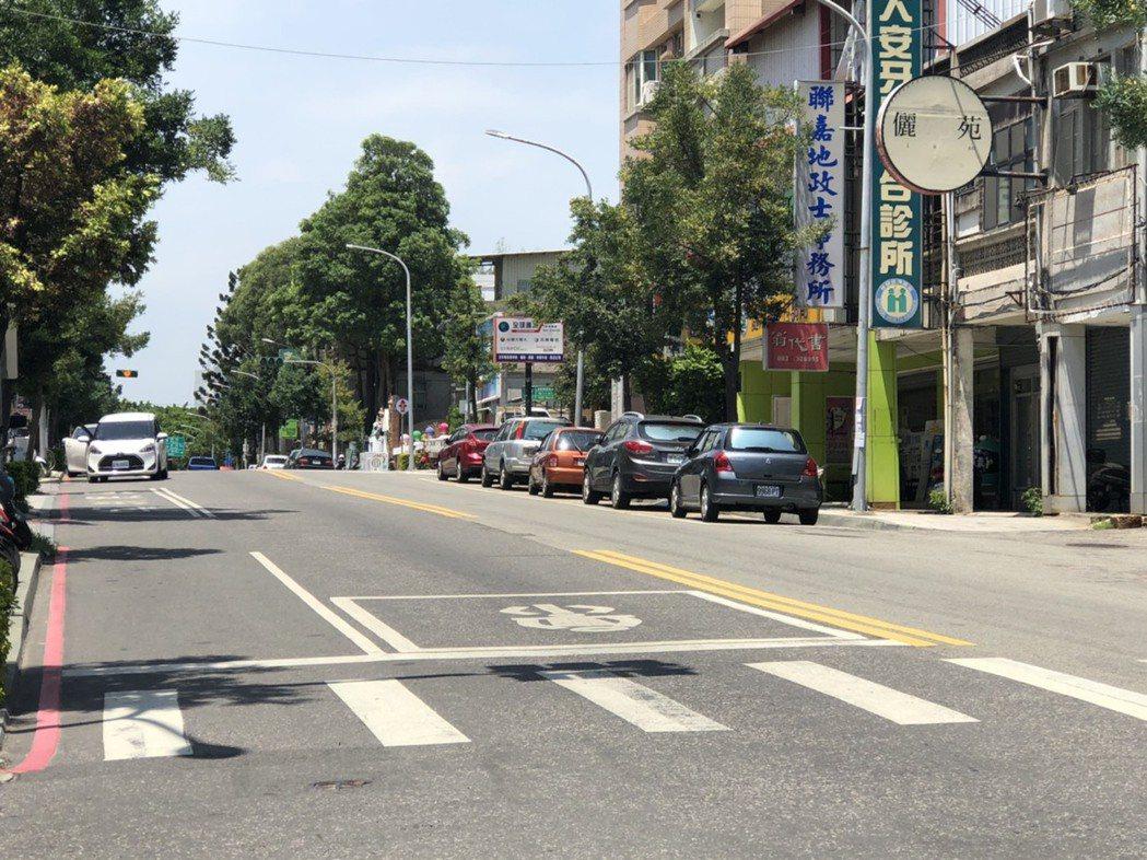 金城鎮市區自9月1日起正式進行路邊停車收費。記者蔡家蓁/攝影
