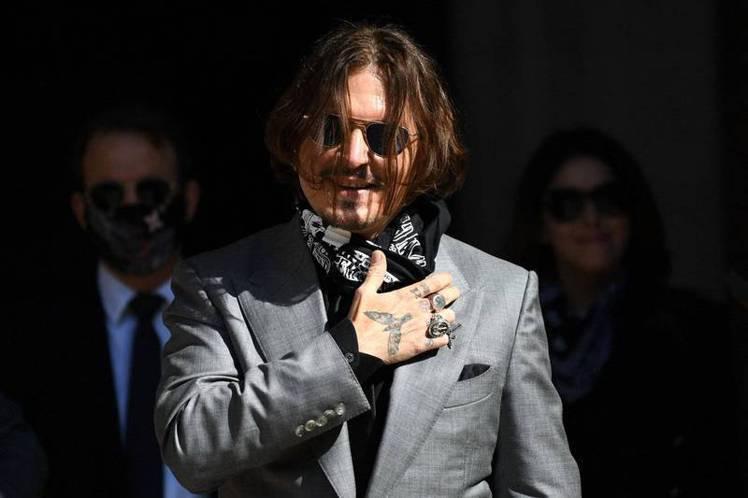 強尼戴普日前出席聖薩巴斯提安影展,痛批「取消文化」已經過頭,自己是受害者。(法新...