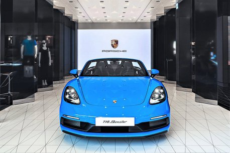 新竹保時捷都會概念店滿周年!Porsche 718 Boxster GTS 4.0青鯊藍限時展示