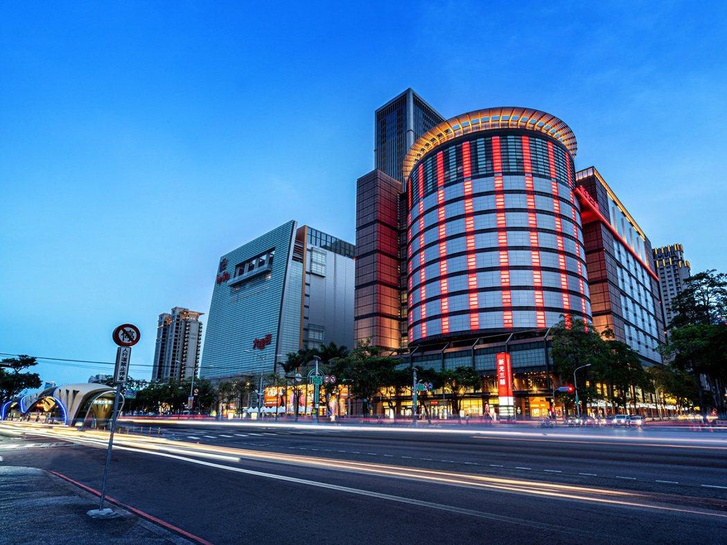 商圈、賣場、百貨生活機能完善。 (圖/遠雄提供)
