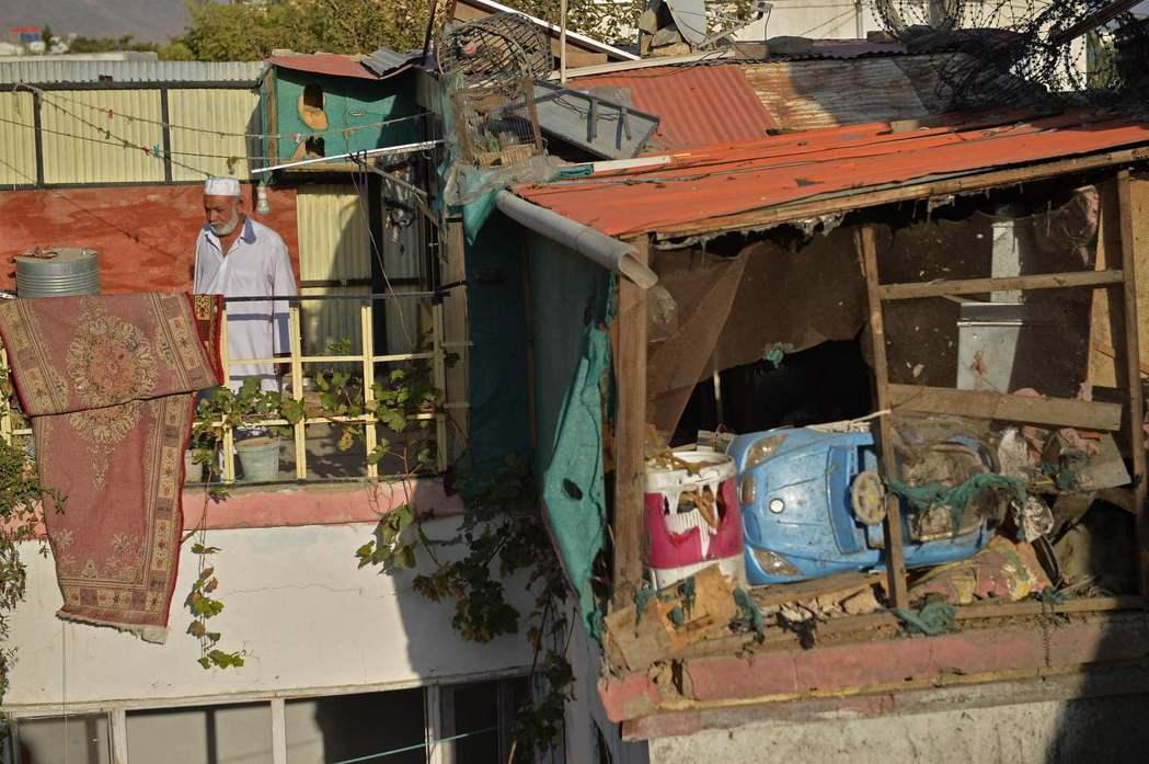 阿瑪迪一家人已經在這棟民宅居住了40年,鄰居也都彼此相識相熟,「根本不可能是IS...