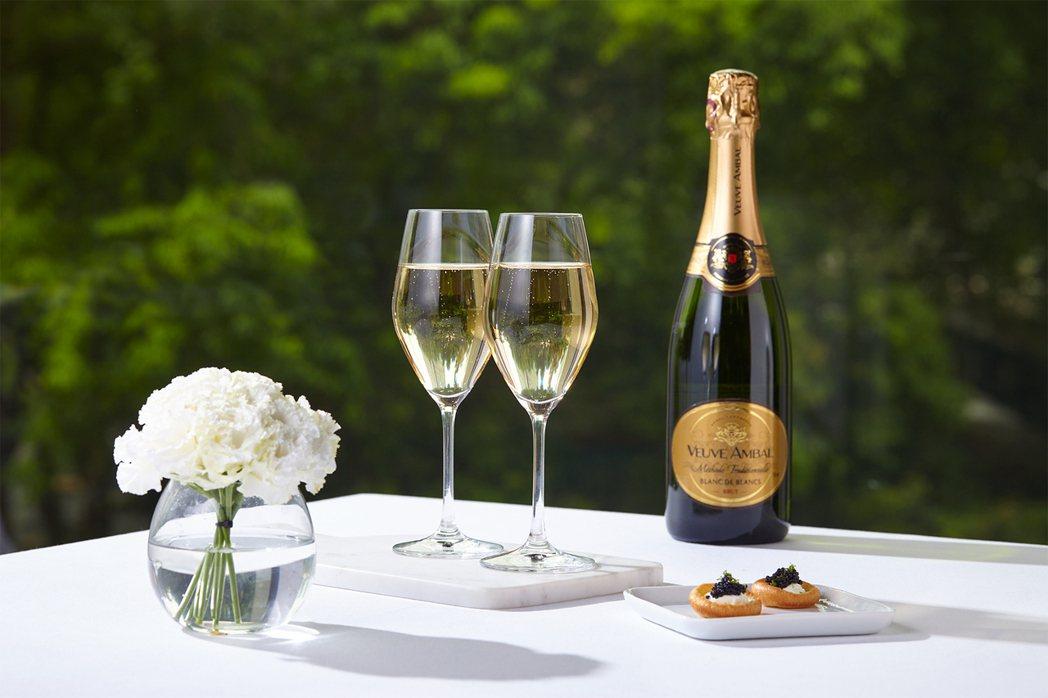 來自法國勃根地產區的「安柏夫人古法釀造白中白氣泡酒」擁有逾一世紀的製酒歷史。  ...