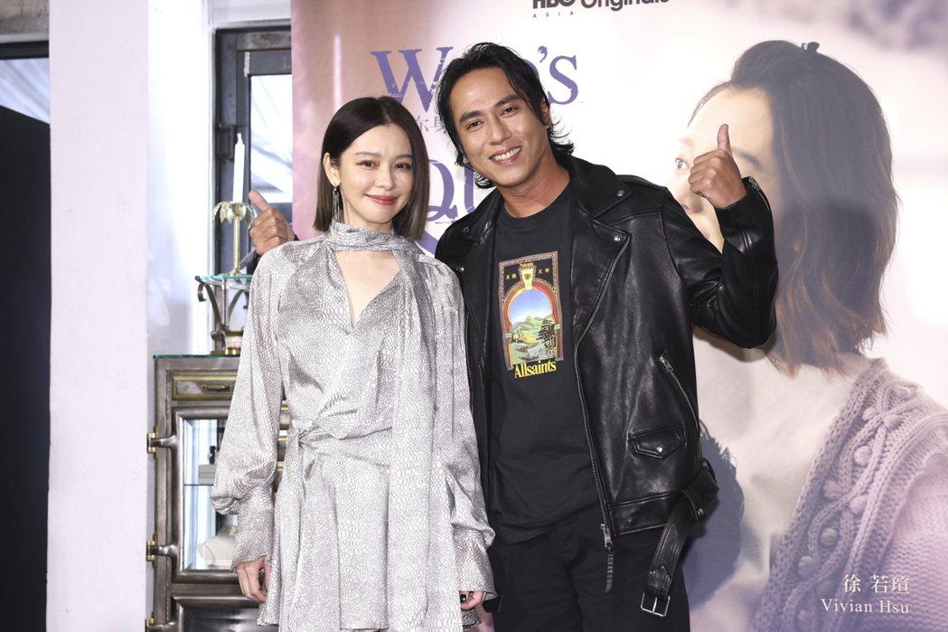 「誰在你身邊」劇中飾演夫妻的男女主角徐若瑄(左)、莊凱勛。記者王聰賢/攝影