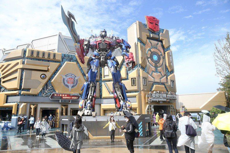 北京環球影城開售1分鐘內,開園當日門票即售罄。中新社