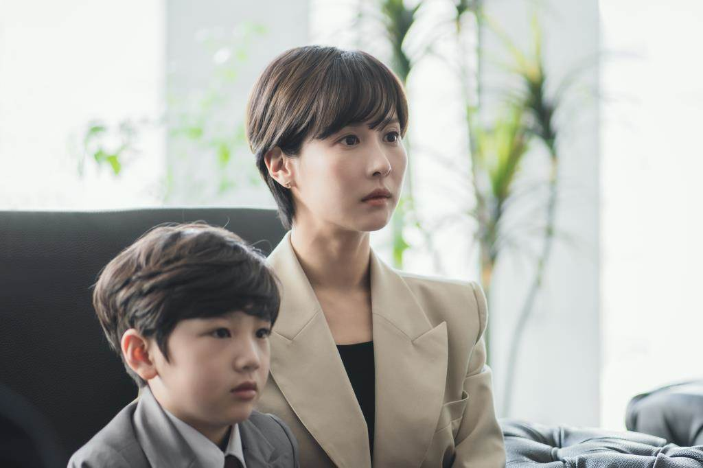 曹如晶在「High Class」當上流社會單親媽媽。圖/myVideo提供
