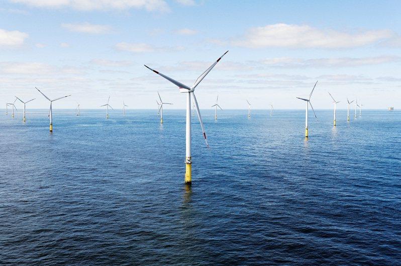 離岸風電大廠沃旭能源遭爆料一艘海上作業船,在海上停留長達50天,船員家屬抱怨這艘船如同「海上監獄」。圖為沃旭能源Borkum Riffgrund離岸風場。圖/沃旭能源
