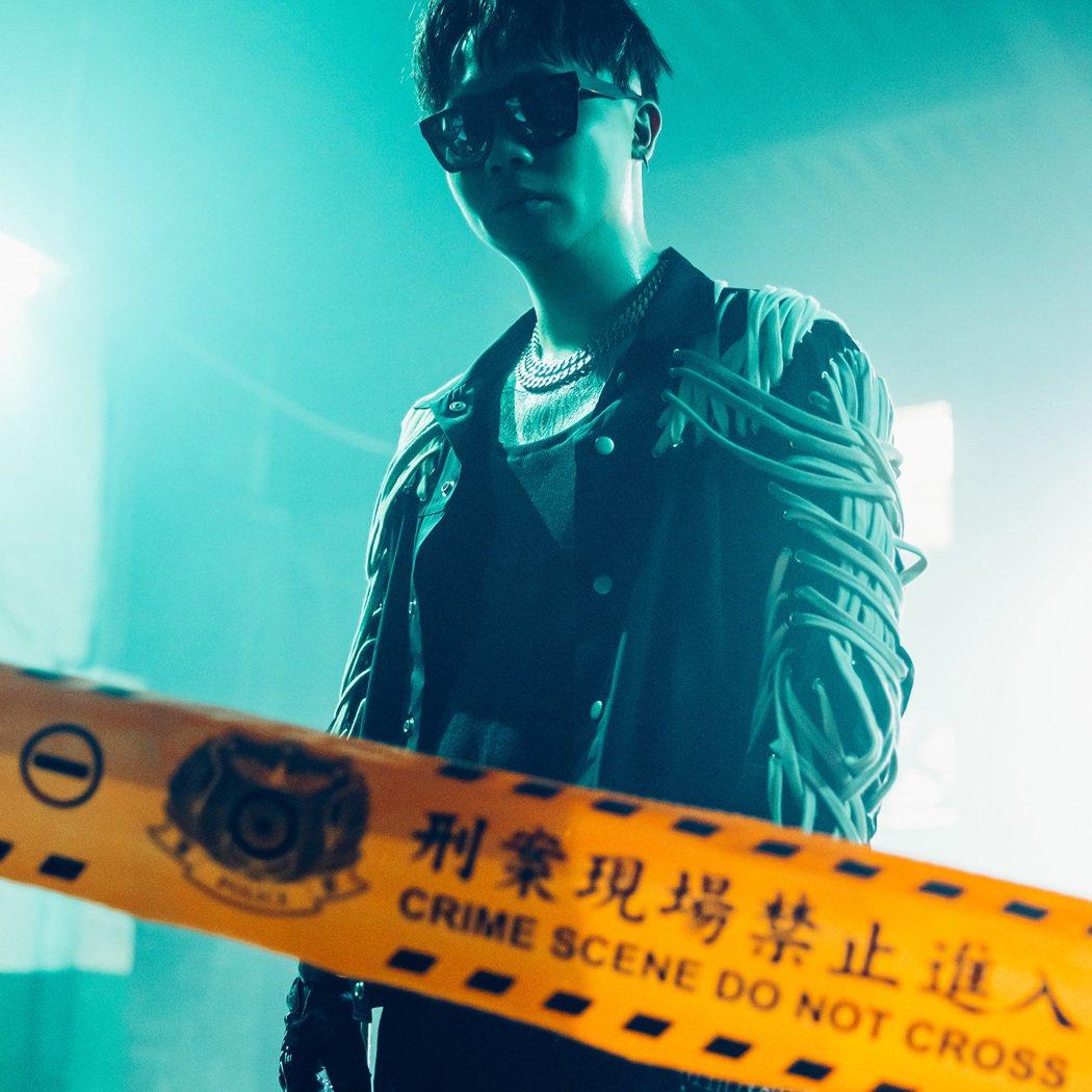 蕭秉治新歌「不留活口」為影集「逆局」宣傳曲。圖/相信音樂提供