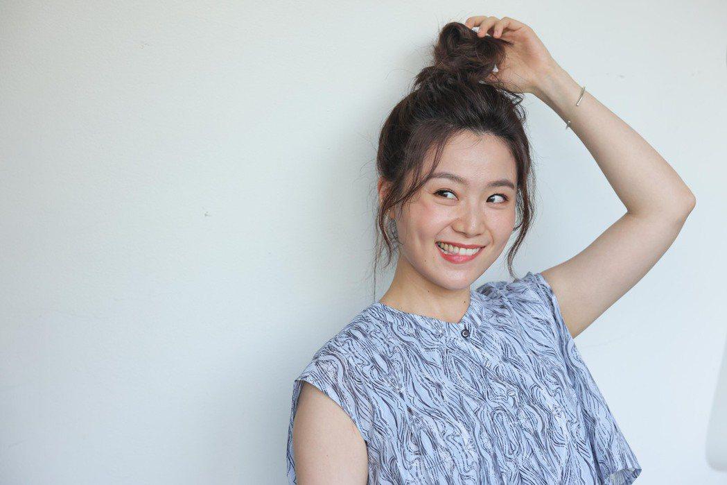 楊小黎的笑容總能讓受訪者卸下心防。記者李政龍/攝影