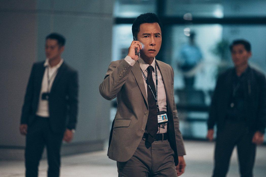甄子丹在「怒火」挑戰多場高難度動作戲。圖/華映提供
