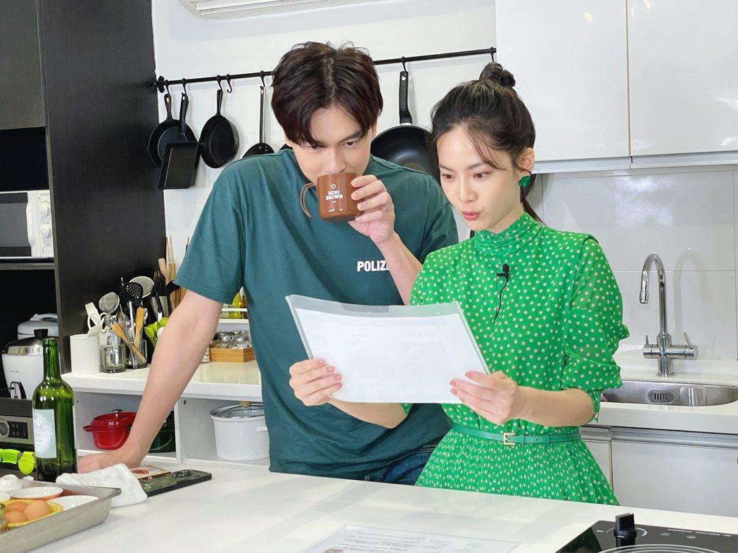鄭元暢「不專業廚房」第二季,請來曾之喬擔任嘉賓。圖/M.I.E.最大國際娛樂提供