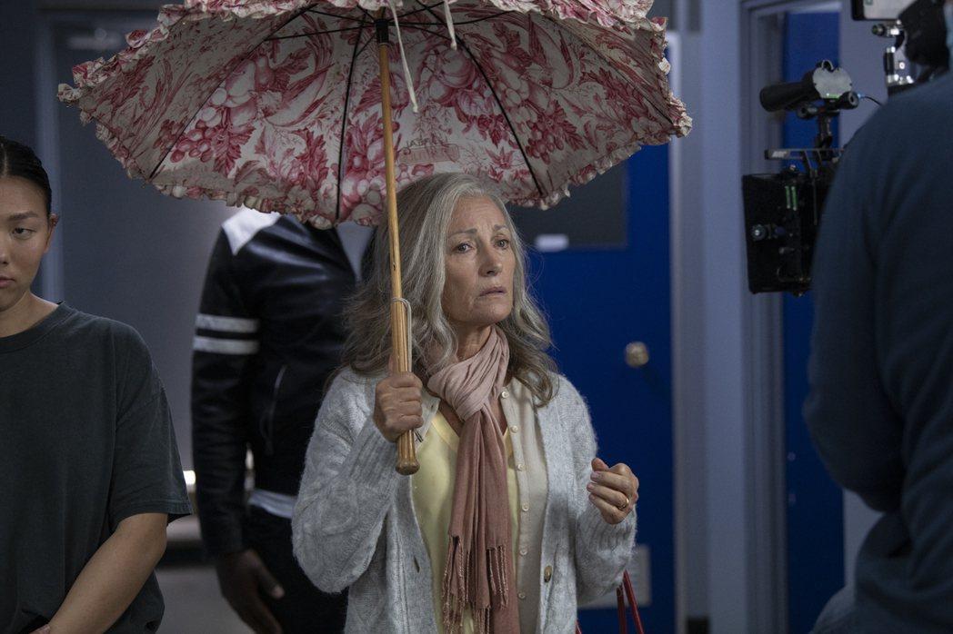 珍西摩爾在「Ruby's Chioice」終於演白髮奶奶。圖/摘自imdb