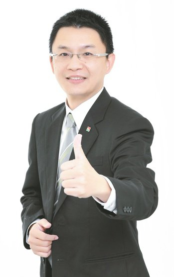 信義房屋三民綠光店經理林詩偉。信義房屋/提供