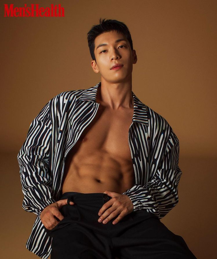 魏河俊貼出《Men Health Korea》的照片,粉絲怦然心動跪求「拜託不要...