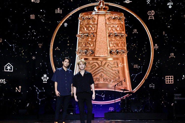陳零九(左)與邱鋒澤今晚將於第56屆廣播金鐘獎頒獎典禮演出。記者李政龍/攝影