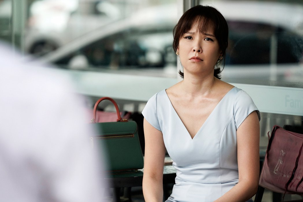 天心在「俗女2」中決定找工作脫離家暴尪。圖/華視、CATCHPLAY提供