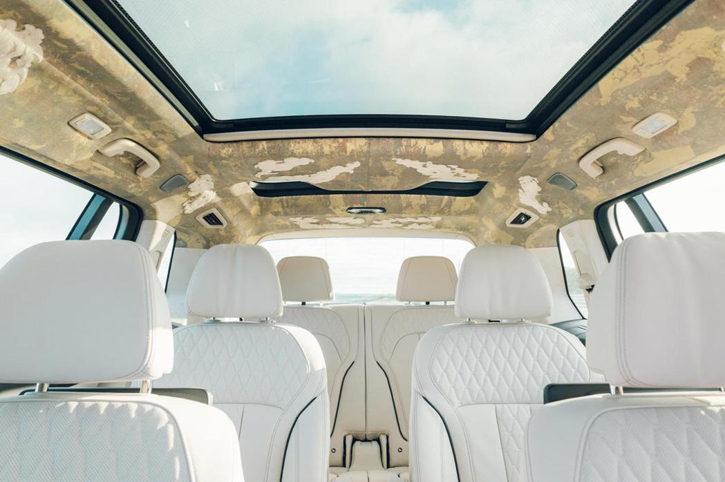 BMW Individual象牙白色澤的Merino真皮搭配上日本國寶級織物「西...