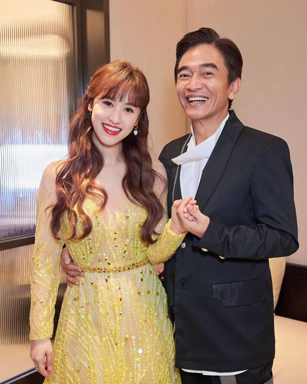 吳姍儒(右)傳出明年初也要結婚了。圖/摘自臉書
