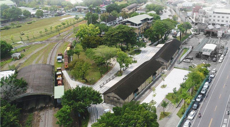 台南市都發局以「新營鐵道地景公園」獲得「2021國家卓越建設獎」最佳環境文化類-金質獎。圖/市府提供