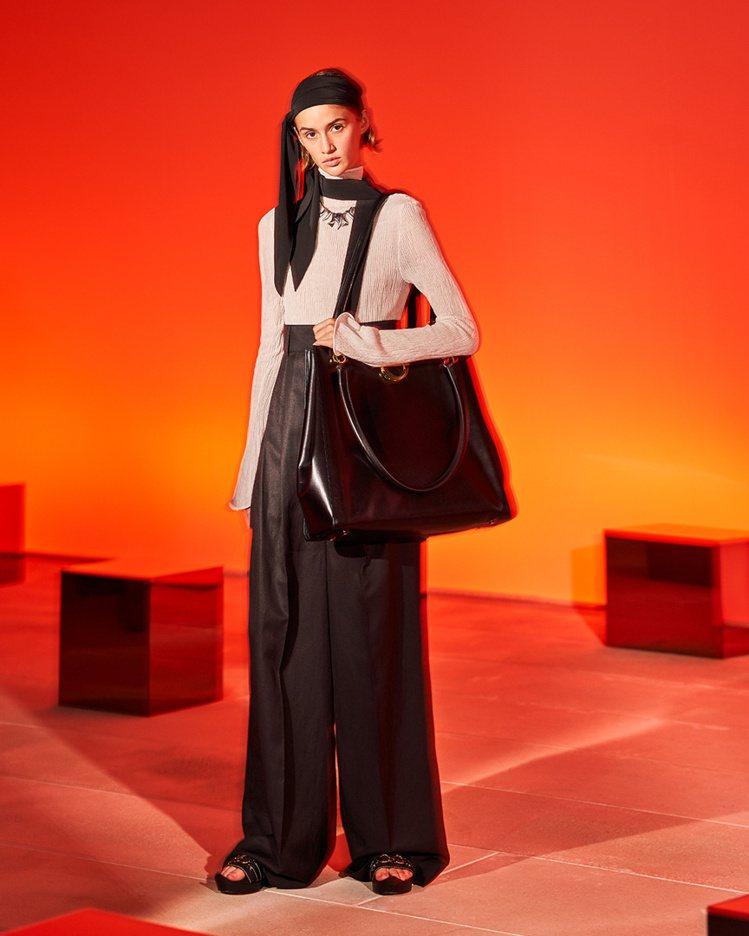 Studio包和Trifolio等人氣包款,同樣推出不同尺寸、材質的新款式。圖/...