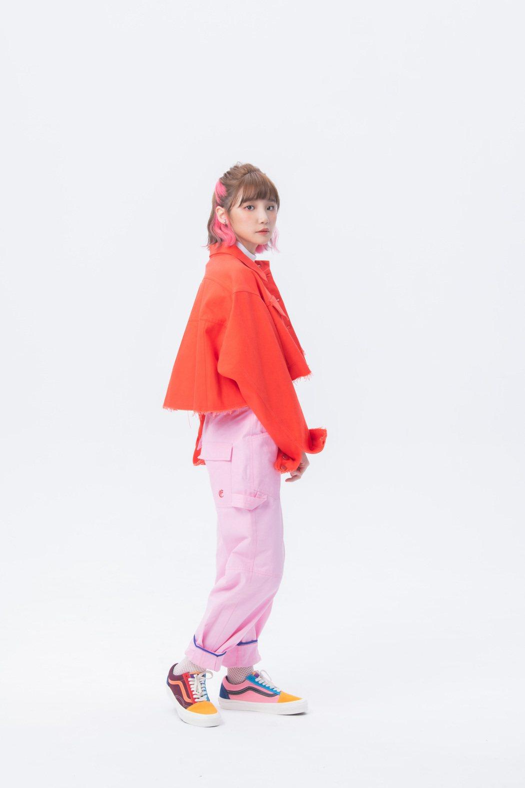 鄭心慈從14歲就開始參與各種歌唱比賽。圖/星空飛騰提供