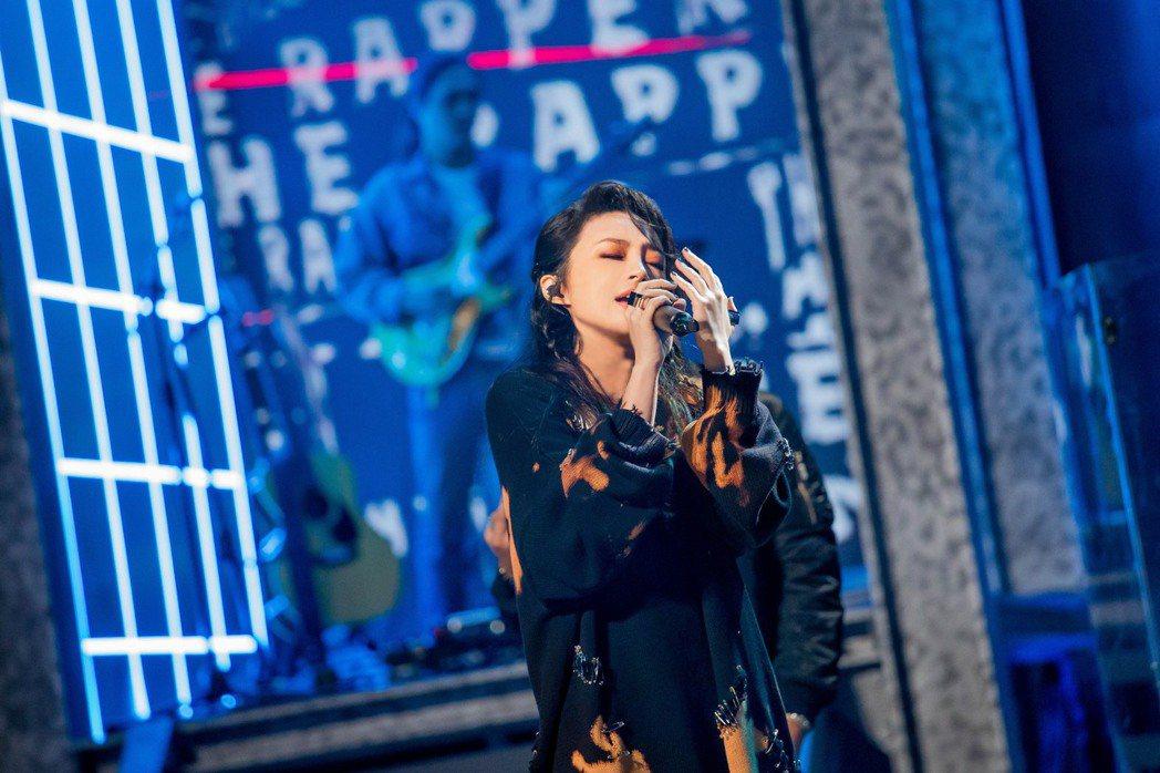 Faye詹雯婷在節目「大嘻哈時代」演繹金曲「Lydia」。圖/大嘻哈時代提供