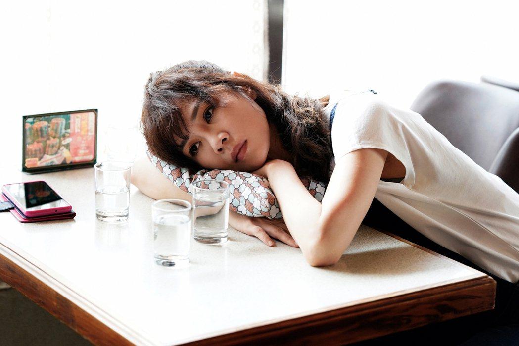 「俗女2」中,「嘉玲」謝盈萱決定生下孩子。圖/華視、CATCHPLAY提供